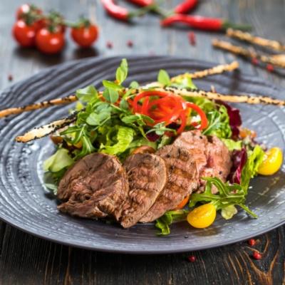 Стейк салат из говядины