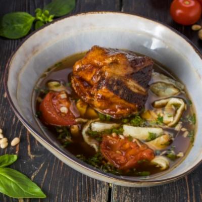 Мясной суп с говяжьим ребром