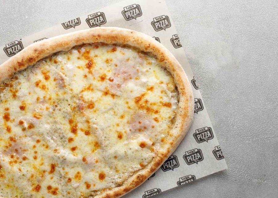 Пицца с Прошутто Котто и трюфельным кремом
