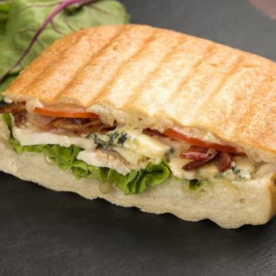 Блю-чиз сэндвич с курицей