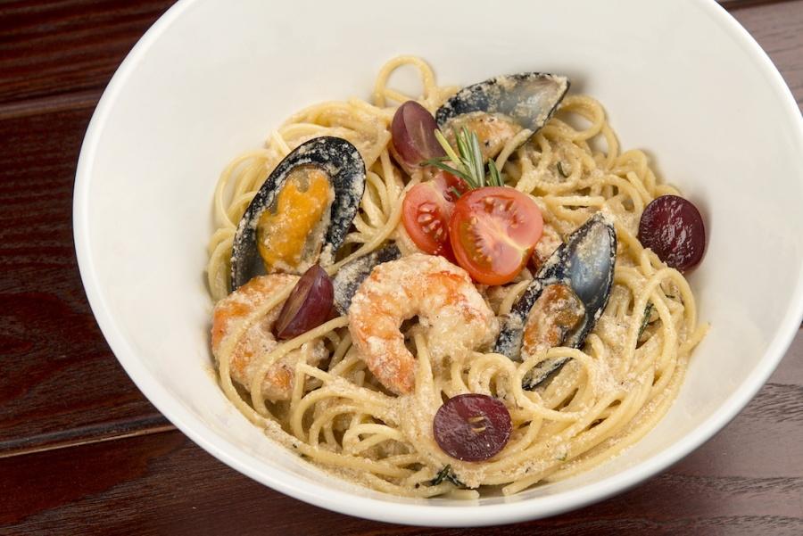 Паста с морепродуктами «Альфредо»