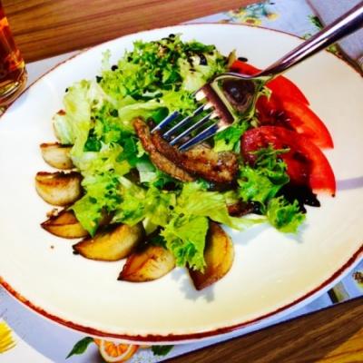 Теплый салат из телятины по-Питерски