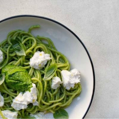 Спагетти с Песто и Страчателлой