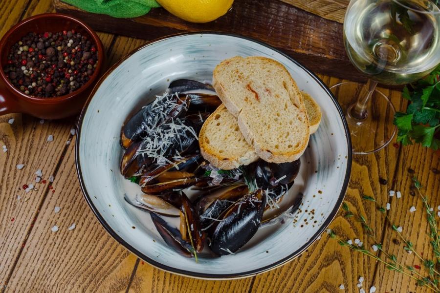 Черноморские мидии в сливочном соусе