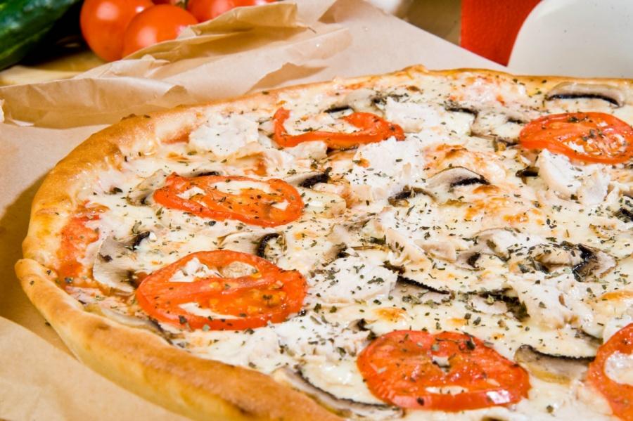 Пицца «С курицей и грибами»