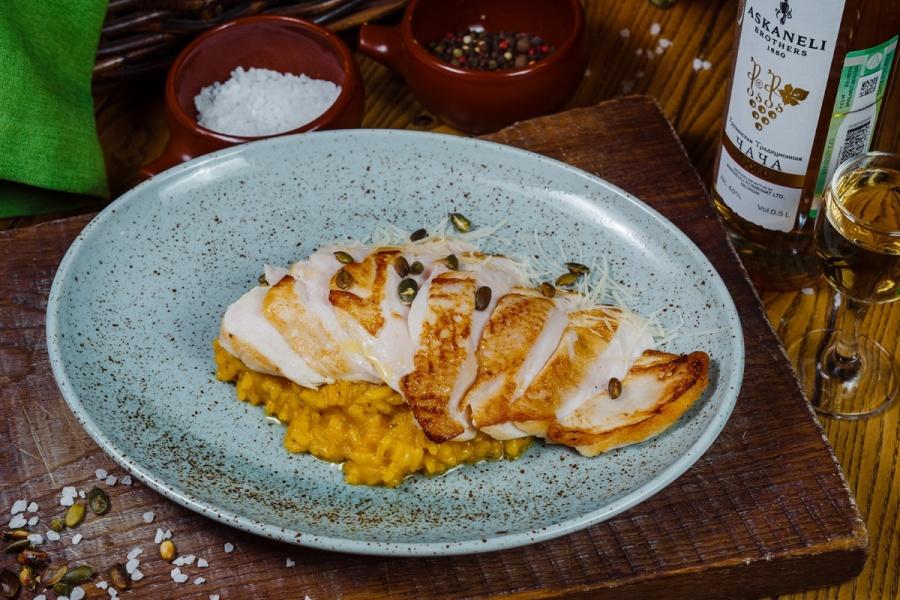 Куриная грудка с тыквенным рисом