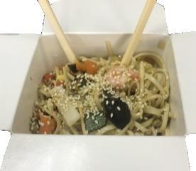 Пшеничная лапша с овощами и морепродуктами