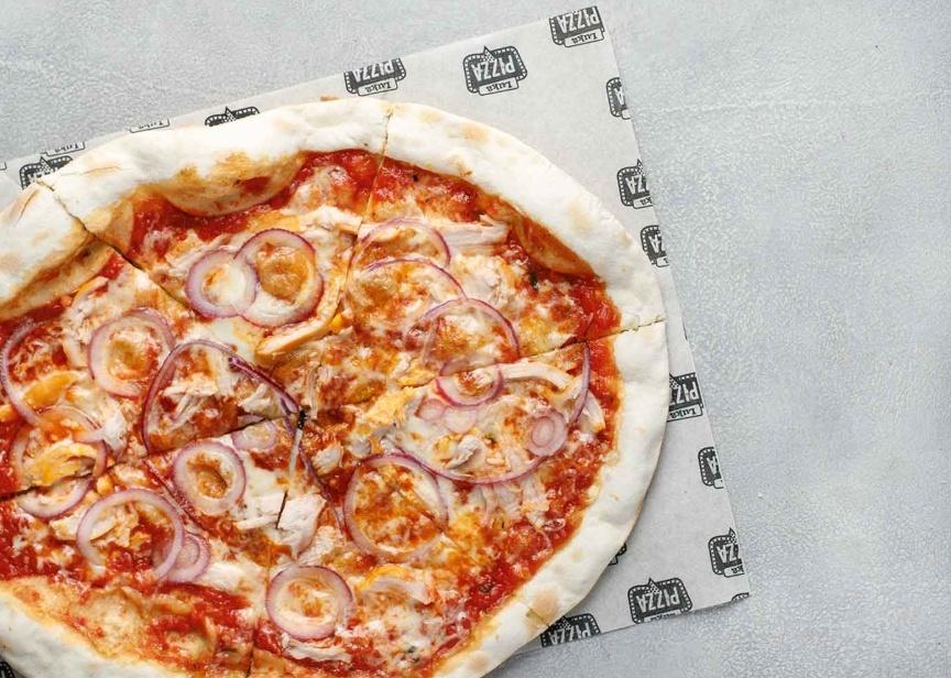 Пицца с копчёной курицей