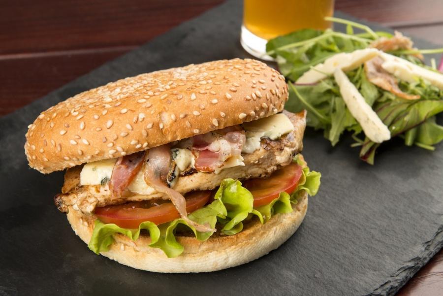 Блю-Чикен бургер